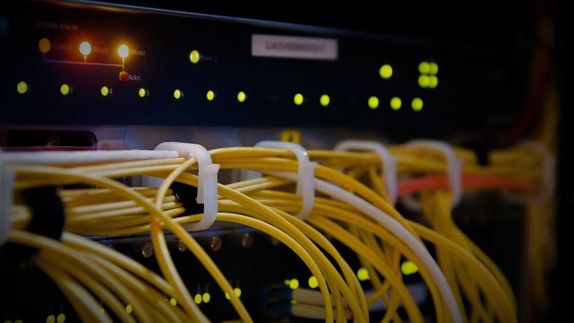 cyberspace-2784907_1920
